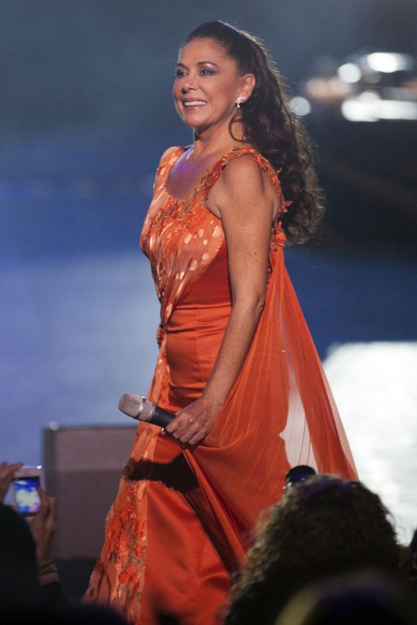 Isabel Pantoja en su actuación en el Auditorio Víctor Villegas de Murcia