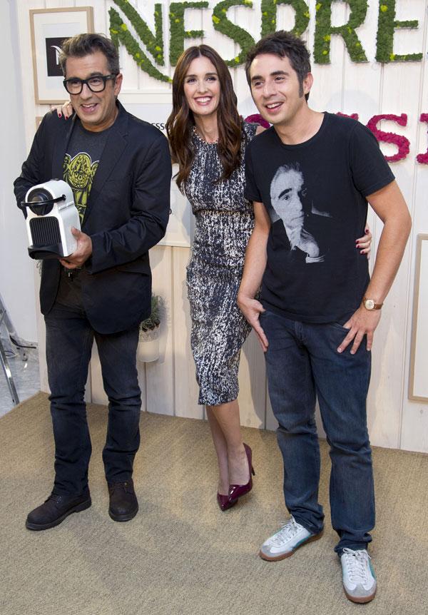 Paz Vega con Andreu Buenafuente y Berto Romero en el Palacio de Neptuno de Madrid