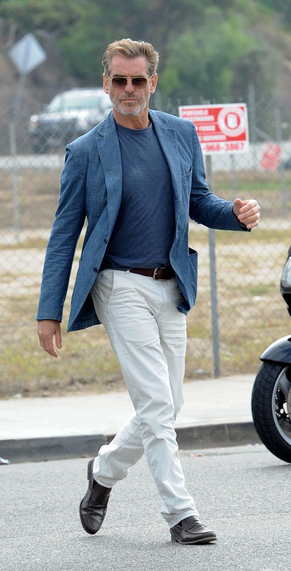 """Pierce Brosnan en Marina del Rey (California) durante el rodaje de su nueva película, """"Cómo hacer el amor con un inglés"""""""