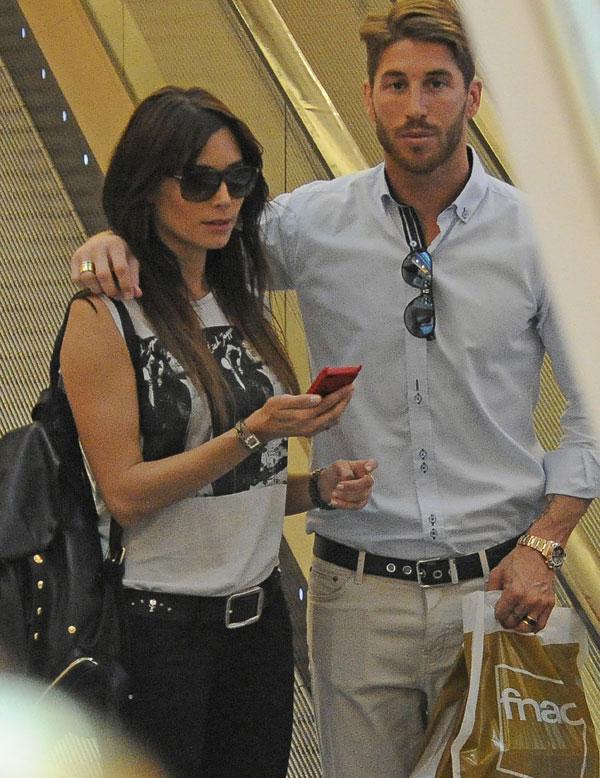 Pilar Rubio y Sergio Ramos de compras por Madrid