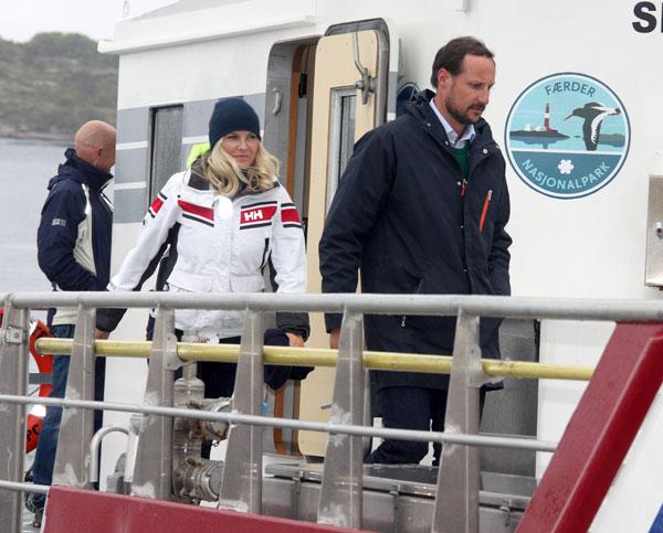 El príncipe heredero Haakon y la princesa Mette-Marit asisten Día de Limpieza de Costas en Ostre Bolaerne.  NORUEGA 05/06/2014  Ciudad: Oslo