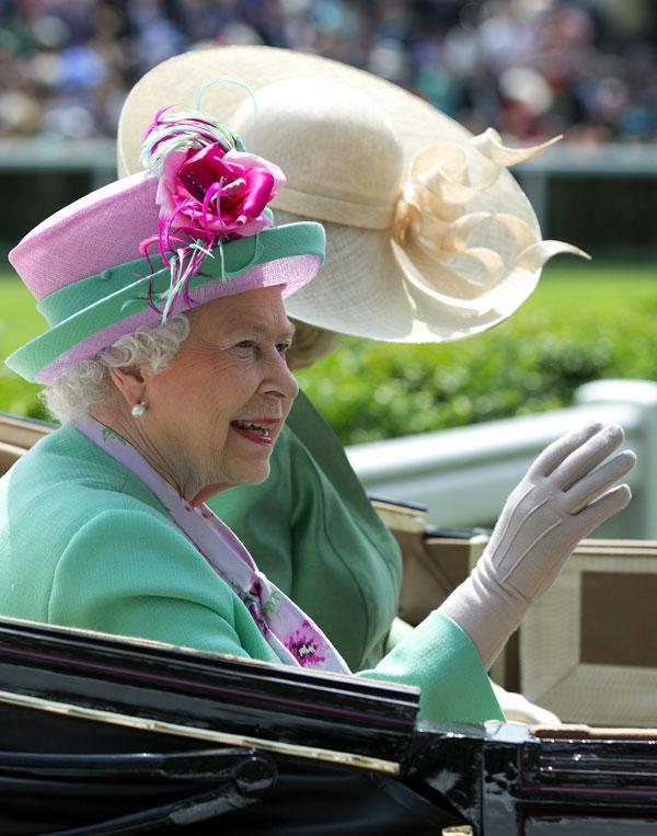 Isabel II y Camilla ayer en Ascot