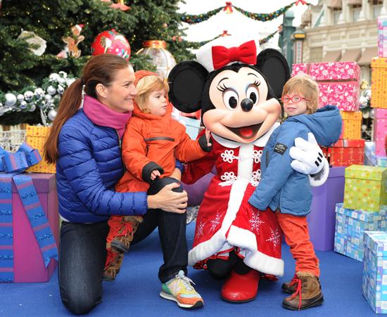 Samantha,-Diego-y-Roscón-con-Minnie-Mouse