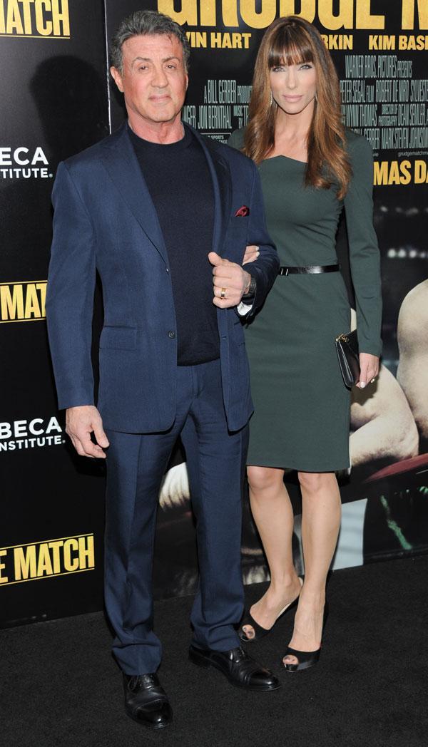 """Actor Sylvester Stallone y su esposa Jennifer Flavin en el estreno mundial de """"Grudge Match"""", en beneficio del Instituto de Cine de Tribeca, en el Teatro Ziegfeld en Lunes, 16 de diciembre 2013 en Nueva York. Ciudad: Nueva York"""