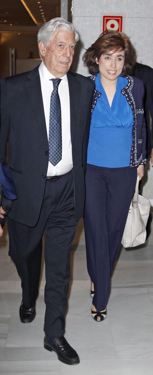 Mario Vargas Llosa y Paloma Segrelles en el Club Siglo XXI