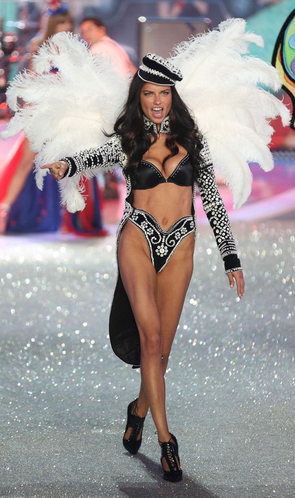 Victoria's-Secret-Adriana-Lima