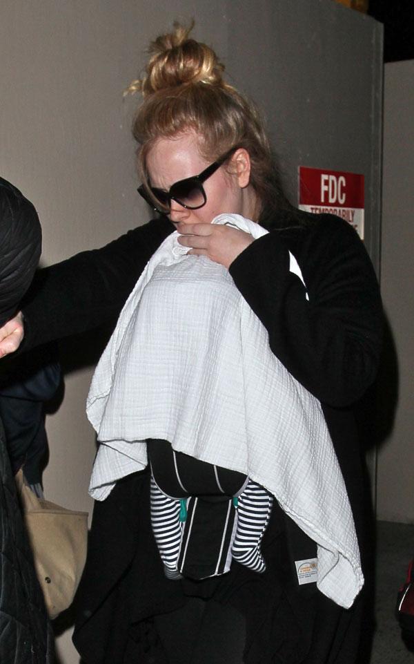 Adele estresada en el aeropuerto