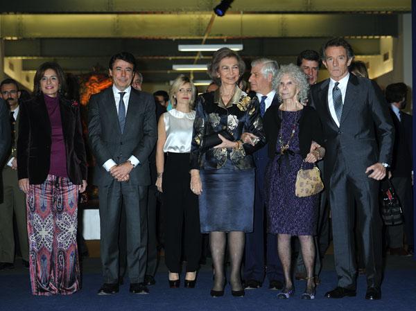 La familia Alba con autoridades