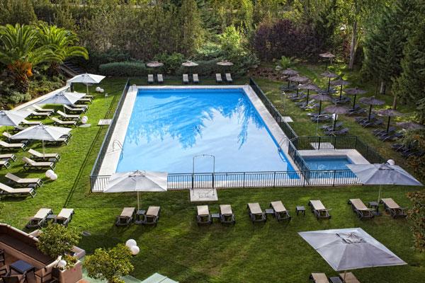 En verano, es una delicia disfrutar de la piscina con las altas temperaturas de Cáceres.