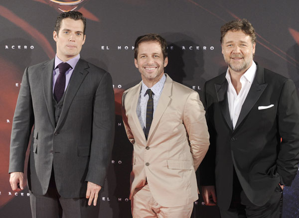 henry cavill, zack snyder y russell crowe