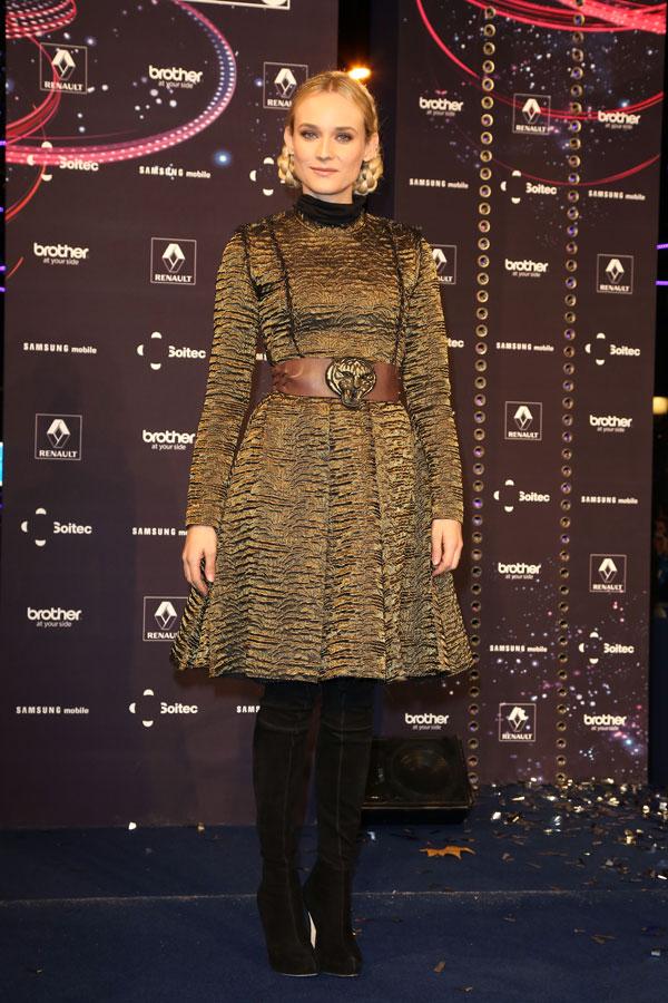 Diane Kruger inauguró la iluminación navideña de los Campos Elíseos
