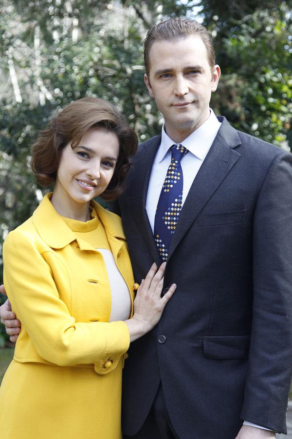 Fernando Gil y Cristina Brondo en El rey