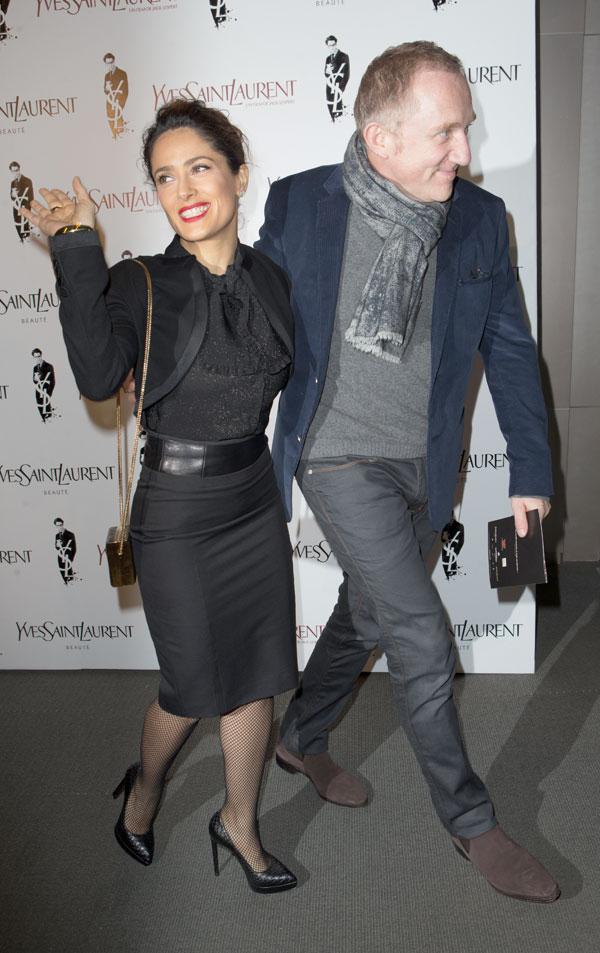 Salma Hayek y su marido de estreno en Paris