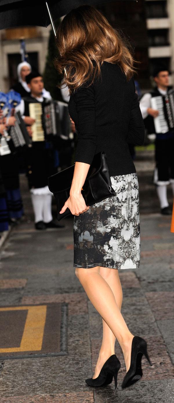 letizia en los premios príncipe de asturias 2013, letizia en negro y gris