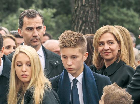 funeral-rey-pablo-en-cementerio-de-Tatoi