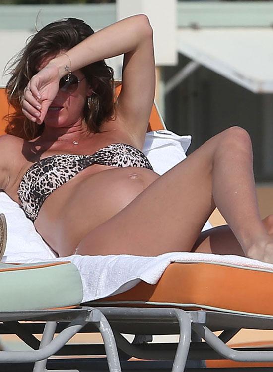 Gisele Bundchen, una embarazada espectacular en las playas de Miami