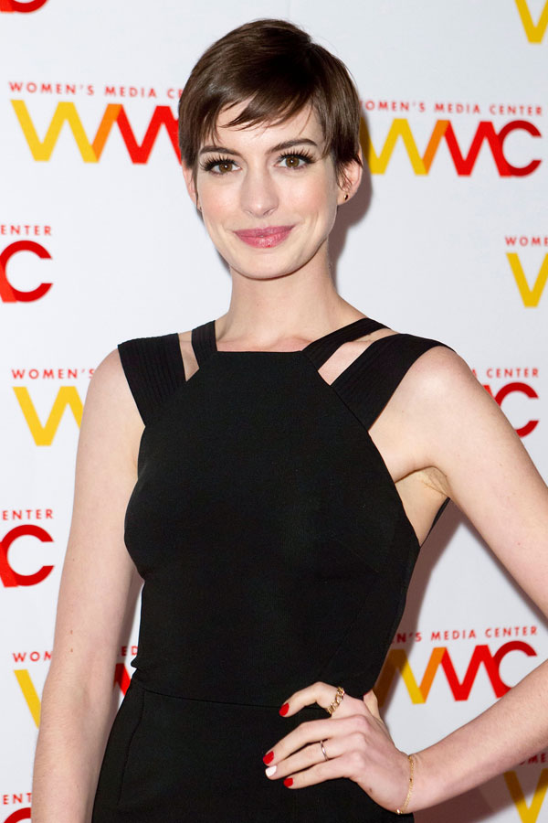 Anne Hathaway en los Women's Media Awards