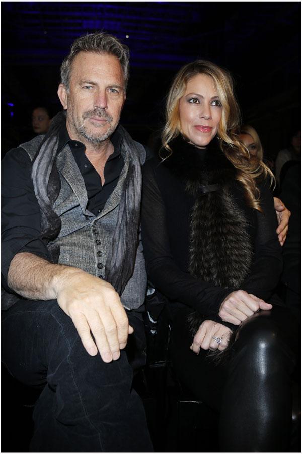 Kevin Costner, con su mujer, Christine Baumgartner.