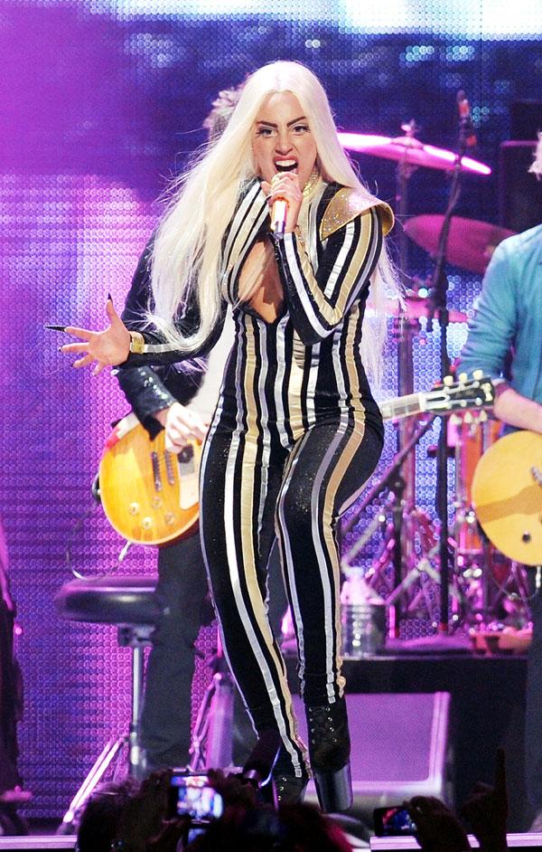 Lady Gaga canta con los Rolling Stones