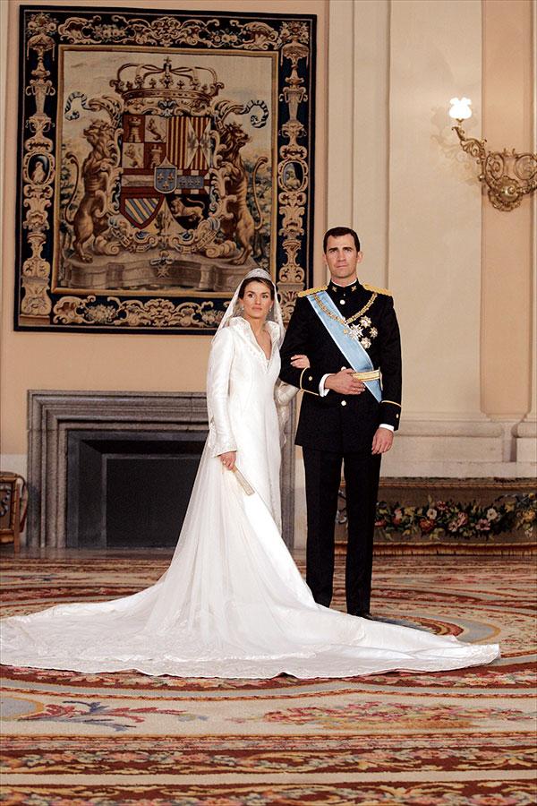 Vestido novia letizia disenador