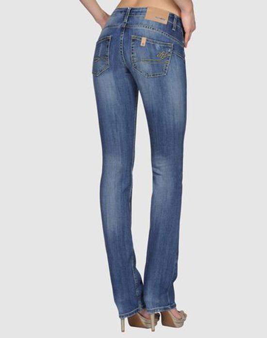 Los jeans de Liu-Jo que lleva Letizia cuestan 148 € ada00e86e62