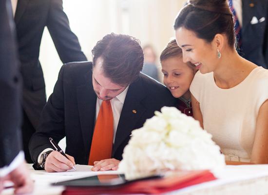 firmando-el-acta