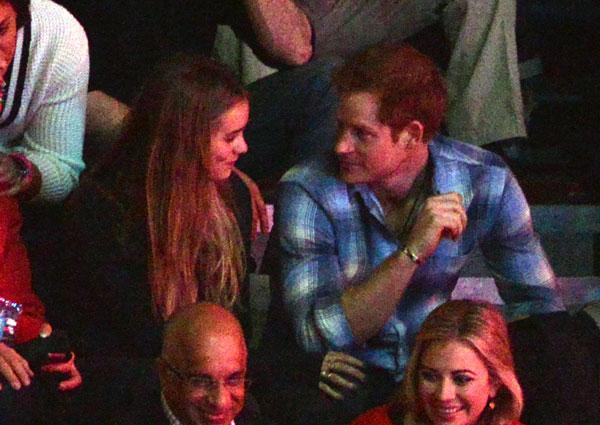 El príncipe Harry y Cressida Bonas durante We Day en Londres, viernes , Marzo 7, 2014.