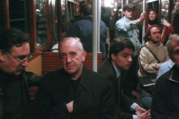 papa-francisco I en el metro