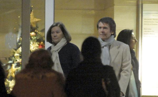 raphael, natalia figueroa visitan a nieto gonzalo