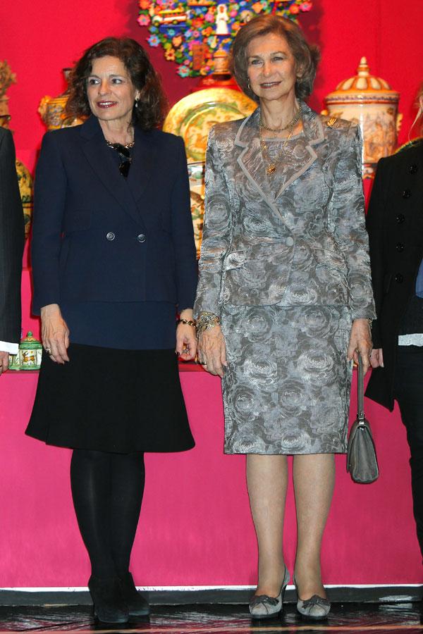 La reina Sofía y Ana Botella inauguran una exposición en Madrid llamada Grandes maestros del arte popular en Iberoamérica