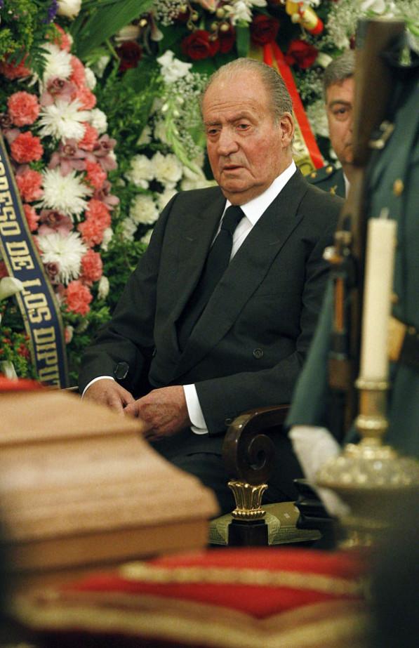 La familia real en el funeral del expresidente Adolfo Suarez Rey10-597x923