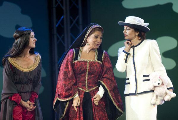 Ana Hurtado, Lolita y Fabiola Toledo en Sofocos